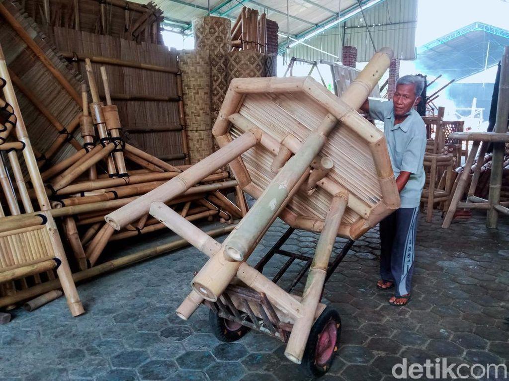 Kisah Perajin Bambu Bertahan Hidup di Tengah Pandemi