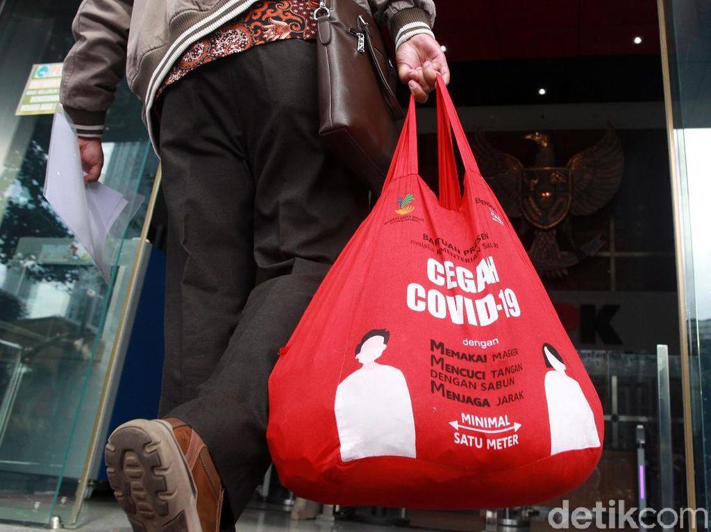 Geger di Akhir Tahun, Korupsi Bansos Corona Terkuak