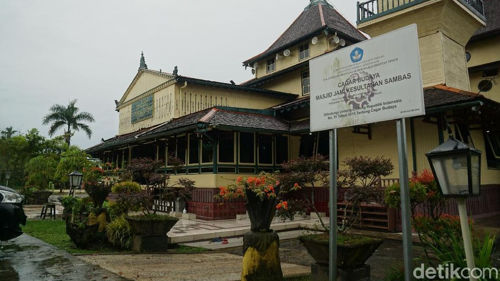 Potret Masjid Tertua Kalimantan Barat