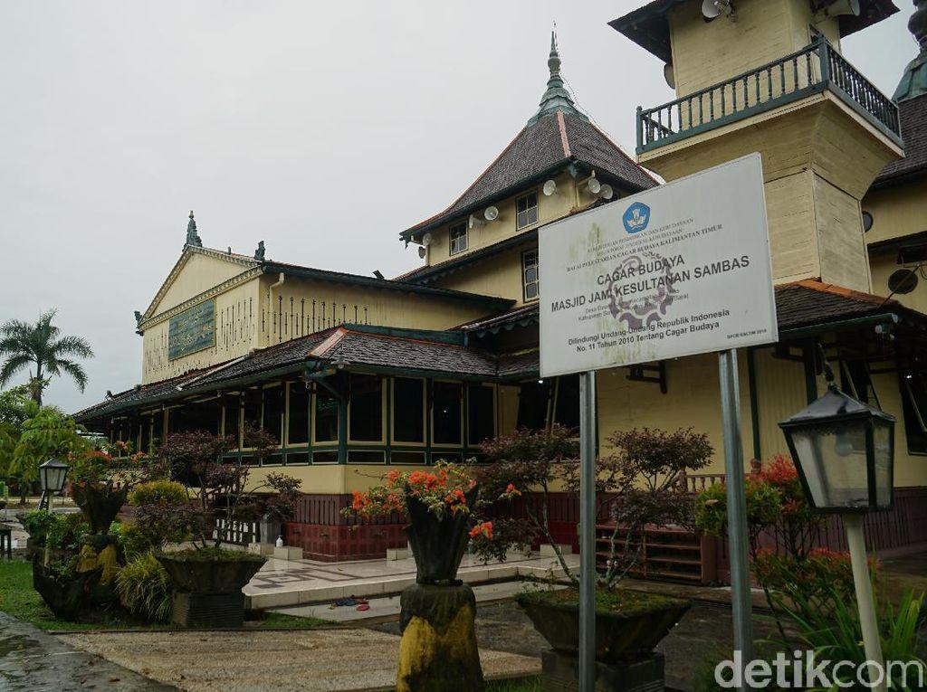 Wisata Religi ke Masjid Tertua di Kalimantan Barat