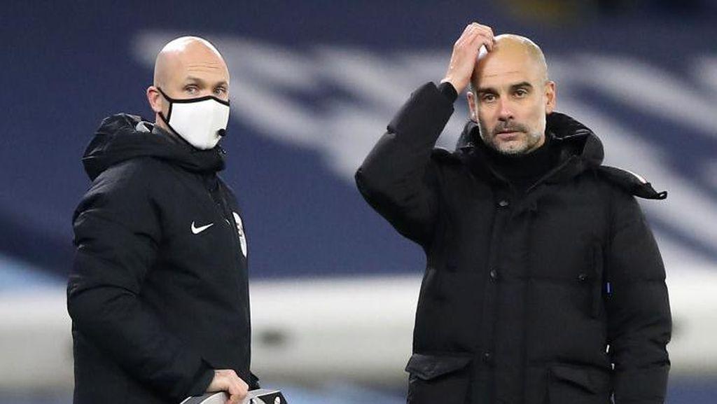 Potret Gaya Pep Guardiola Ngomel, Sampai Garuk-garuk Kepala