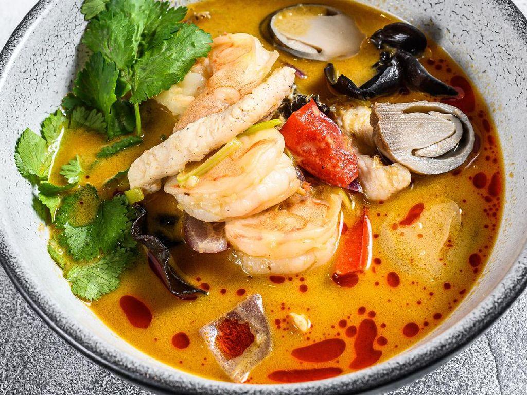 Resep Tomyam Seafood ala Restoran yang Pedas Menyegarkan