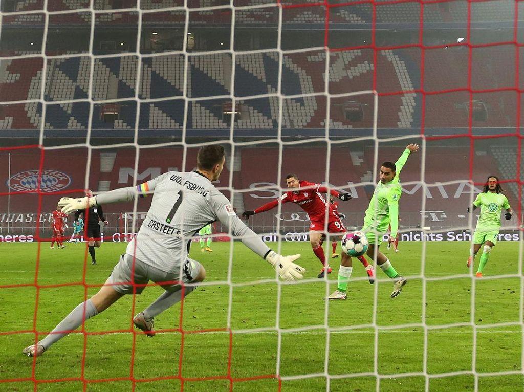 Bayern Vs Wolfsburg: Lewandowski Dua Gol, Die Roten Menang Tipis
