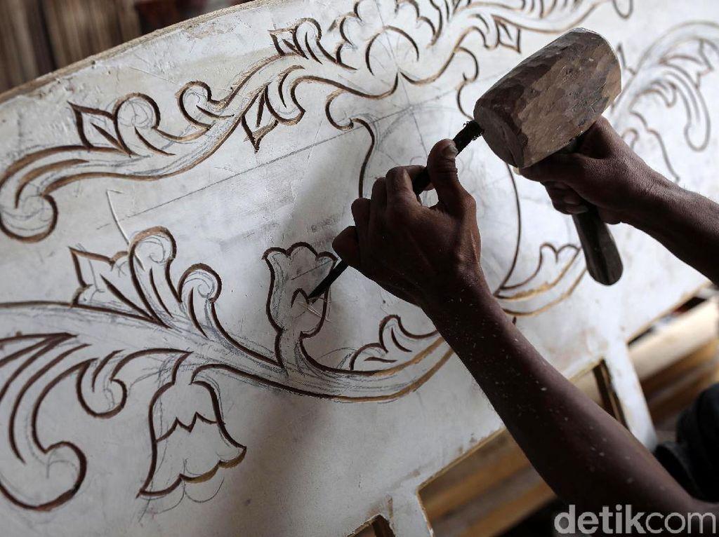 Langka, Tukang Mebel di NTT Berguru ke Jawa-Bali dan Titisan Leluhur