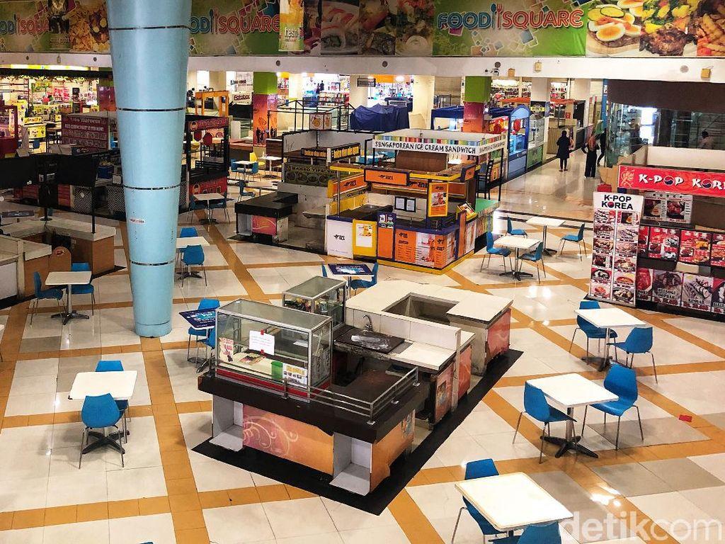 Foto: Miris Gegara Corona Tempat Makan di Mall Ini Sepi