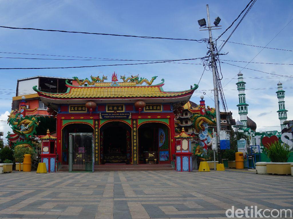 Potret Vihara Tertua dan Ikonik di Singkawang