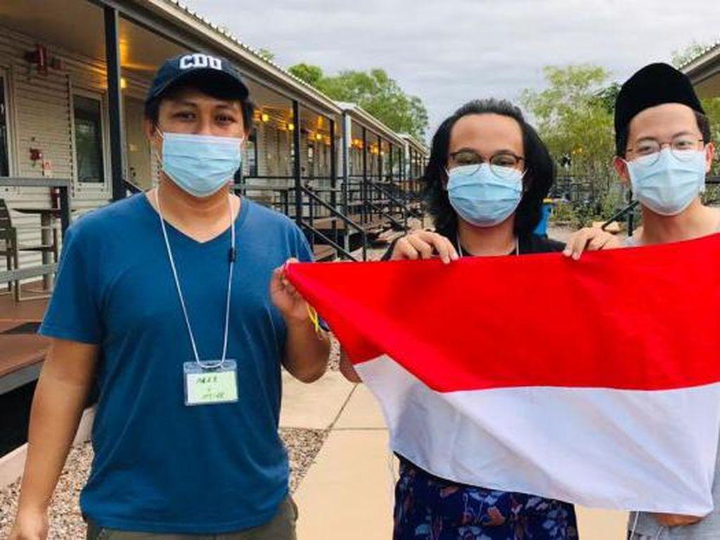 Mahasiswa Indonesia Merayakan Kebebasan Setelah Selesai Karantina di Darwin