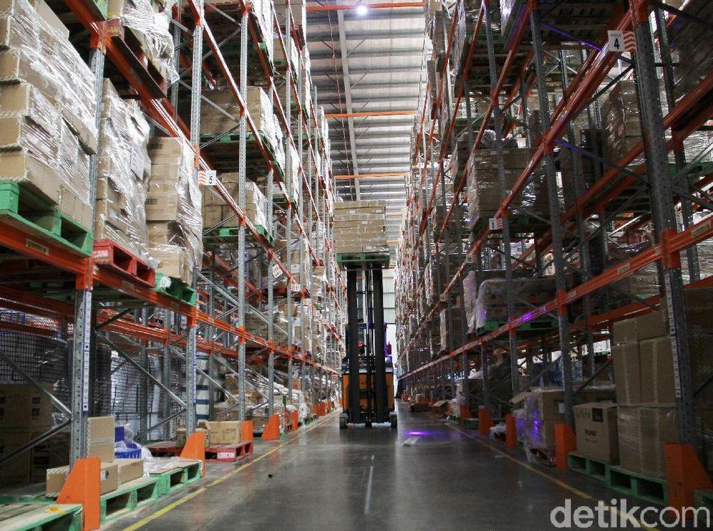 Melihat Gudang E-Commerce Lazada
