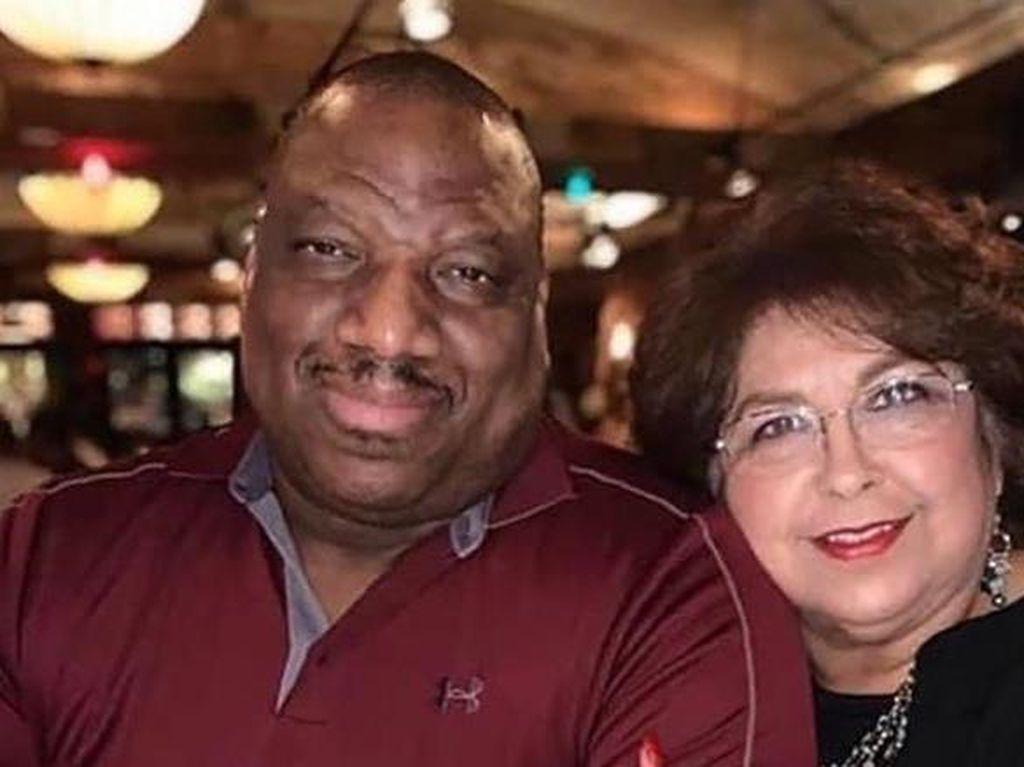 Suami-Istri Meninggal karena COVID-19 Bersamaan Sambil Berpegangan Tangan