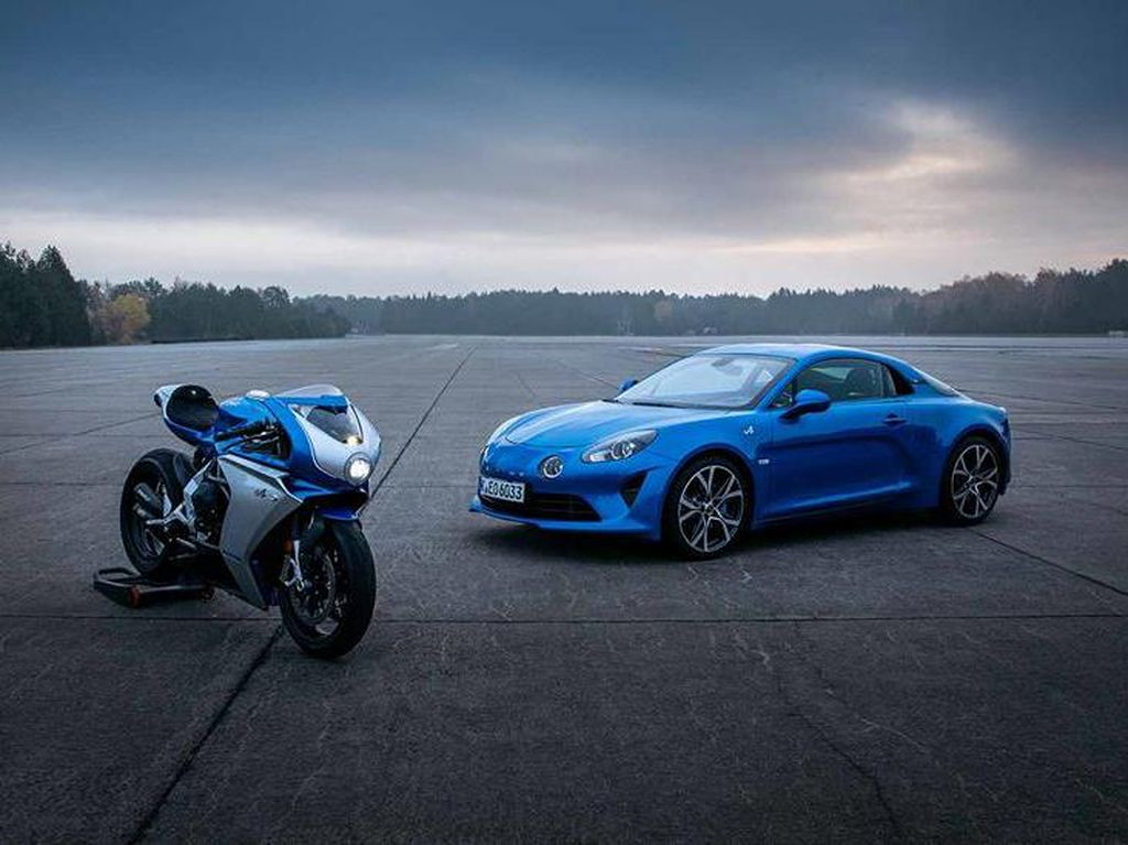 MV Agusta Superveloce Alpine, Motor Sport Klasik yang Kolaborasi dengan Merek Mobil