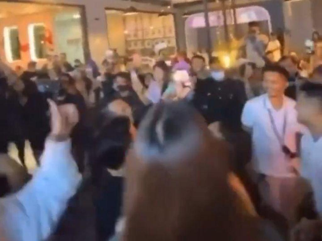 Janji Crazy Rich Surabaya Gaji Karyawan Resto yang Tutup Gegara Kasus Kerumunan