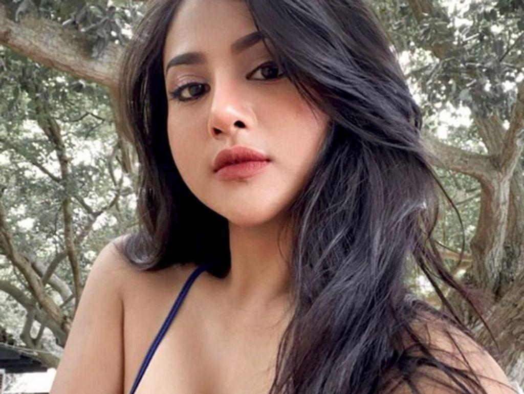 8 Gaya Tania Ayu, Bintang Film yang Namanya Terseret Kasus Prostitusi Online