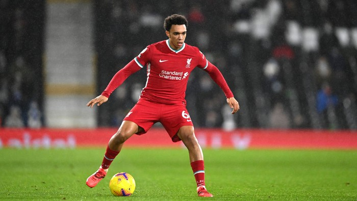 LONDON, ENGLAND - DECEMBER 13: Trent Alexander-Arnold of Liverpool in action during the Premier League match between Fulham and Liverpool at Craven Cottage on December 13, 2020 in London, England. (Photo by Mike Hewitt/Getty Images)