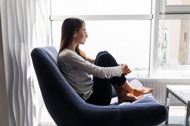 Ketika merasakan emosi yang kompleks, kamu bisa melakukan cara ini untuk memproses emosi kamu dan merefleksikan diri.
