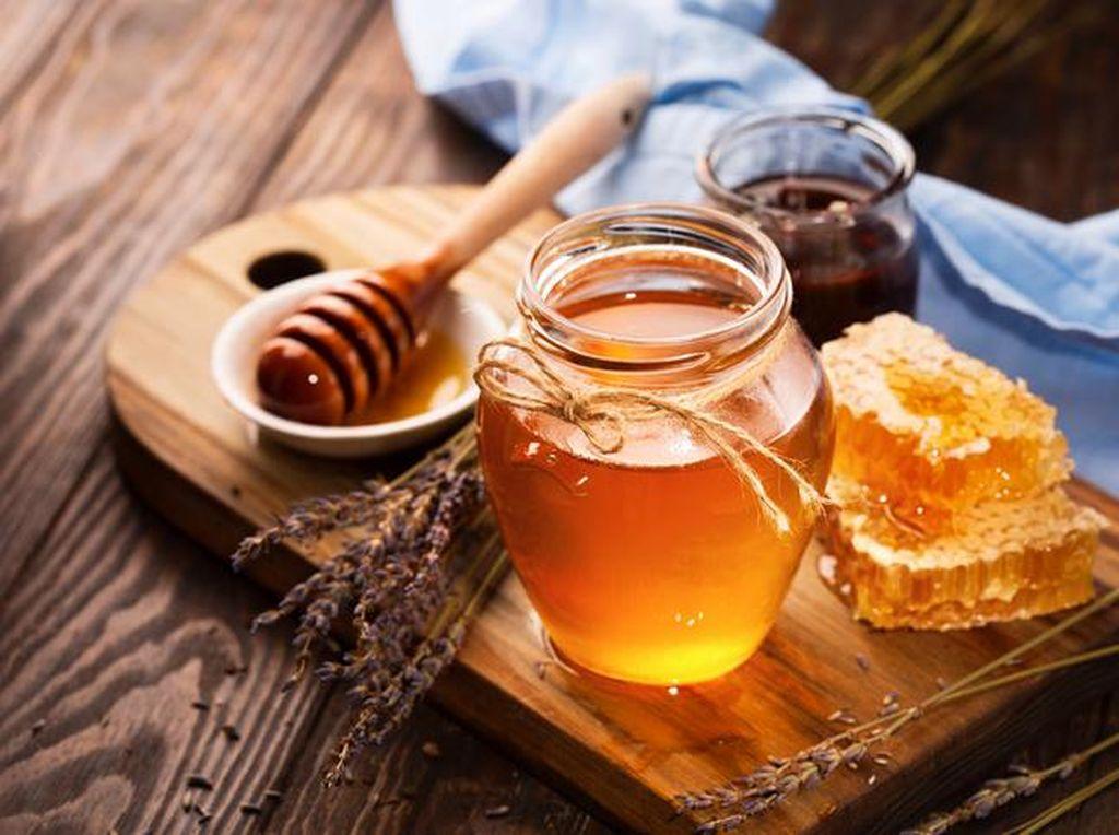 7 Makanan untuk Atasi Batuk dan Sakit Tenggorokan