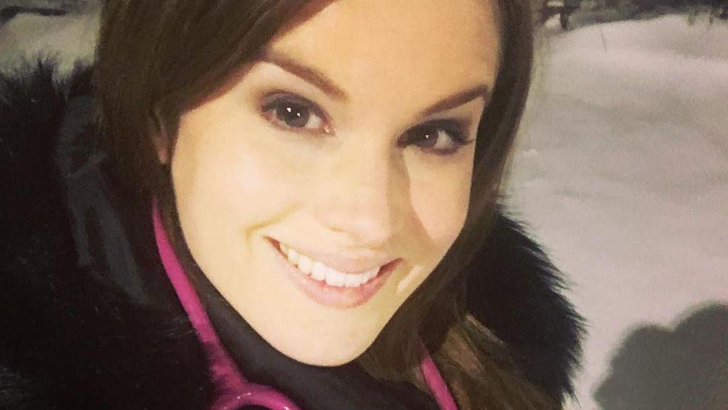 10 Foto Dokter Cantik Juara Miss England, Ikut Andil Bikin Vaksin COVID-19
