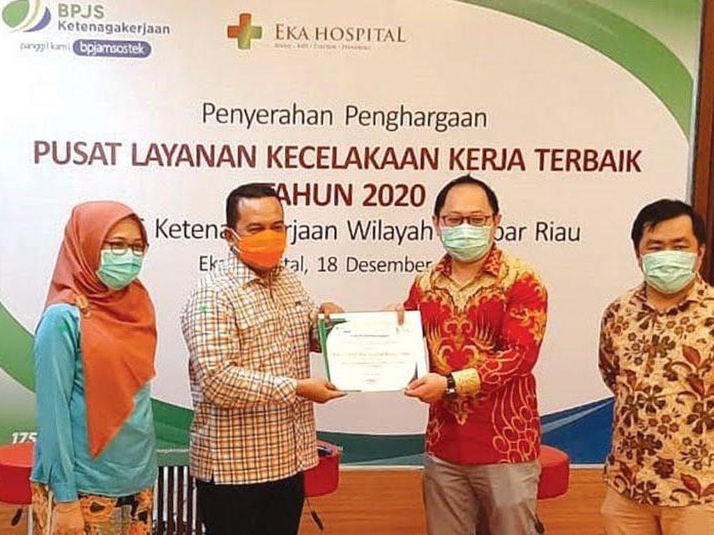 Eka Hospital Raih Penghargaan dari BPJS Ketenagakerjaan