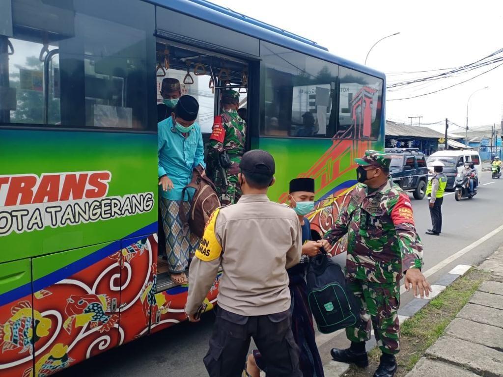 4 Santri Diamankan di Bus di Tangerang, 1 Orang Bawa Sajam
