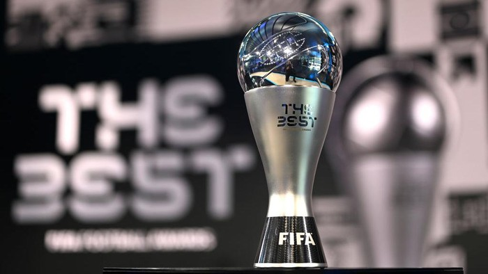 ZURICH, SWITZERLAND - DECEMBER 17: The Best FIFA Award is seen on a plinth prior to the The Best FIFA Football Awards on December 17, 2020 in Zurich, Switzerland. (Photo by Valeriano Di Domenico - Pool/Getty Images)