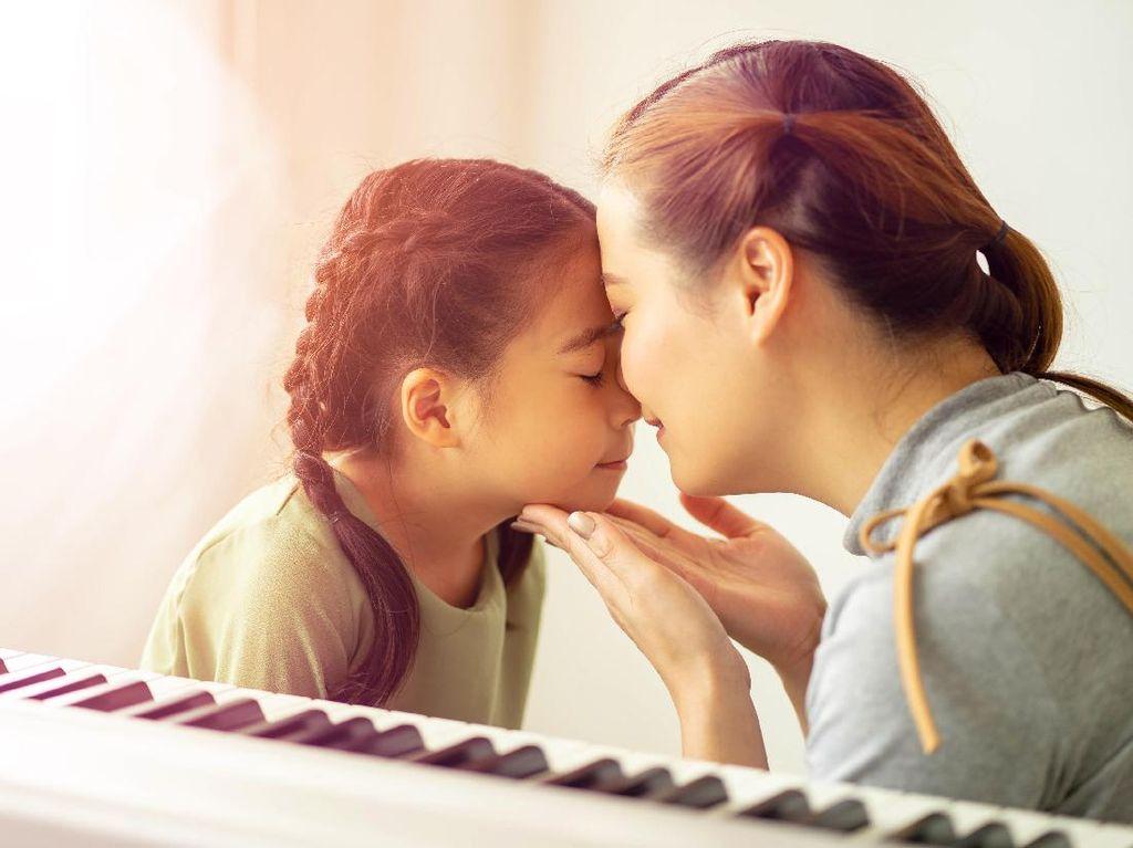 Tips Sederhana Jadi Ibu Tiri untuk Anak Sambung: Jangan Baper