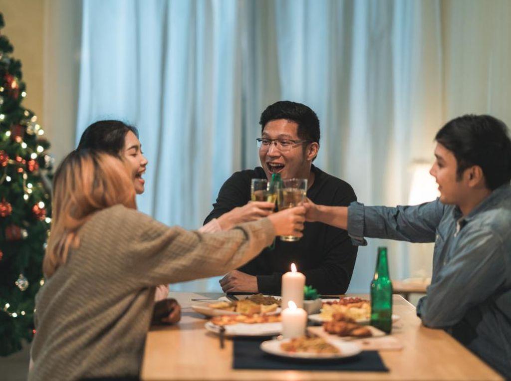 Ini Cara Rayakan Tahun Baru di Rumah biar Makin Seru!