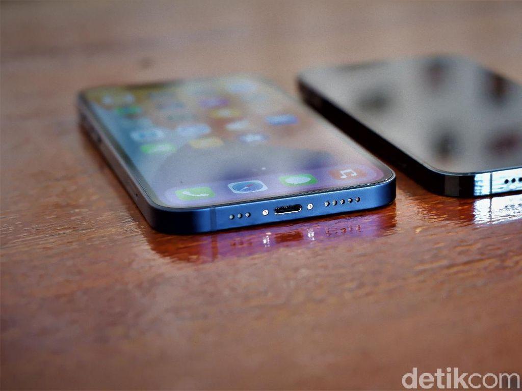 Apple Jajal iPhone Tanpa Colokan