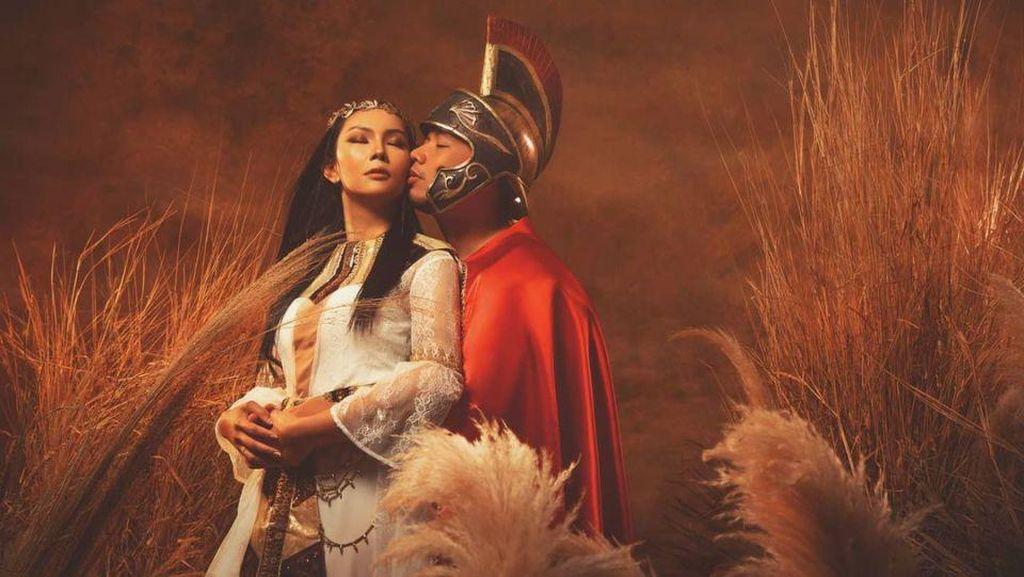 10 Potret Prewedding Vicky Prasetyo & Kalina, Gabungkan Budaya Barat & Timur