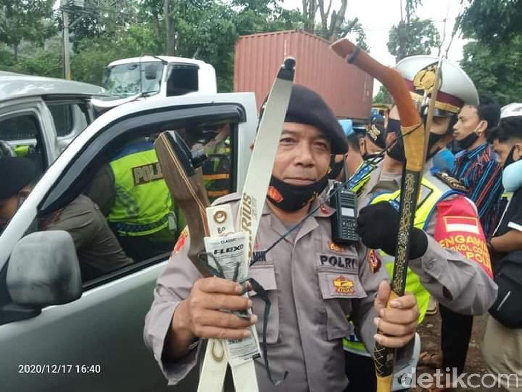 6 Santri di Bandung Kedapatan Bawa Panah Saat Operasi Penyekatan Aksi 1812