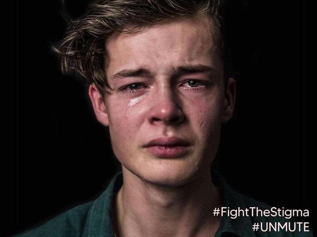 Kampanye Ini Tunjukkan Pria Sering Kena Toxic Masculinity