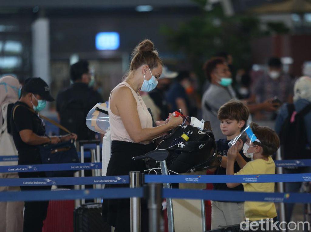 Alvin Lie Pertanyakan RI Tak Tutup Perjalanan dari LN, Ini Kata Kemenhub-Kemlu