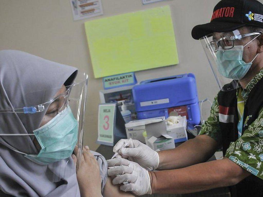Masyarakat RI Akan Terima Vaksin Corona Gratis, Bagaimana Distribusinya?
