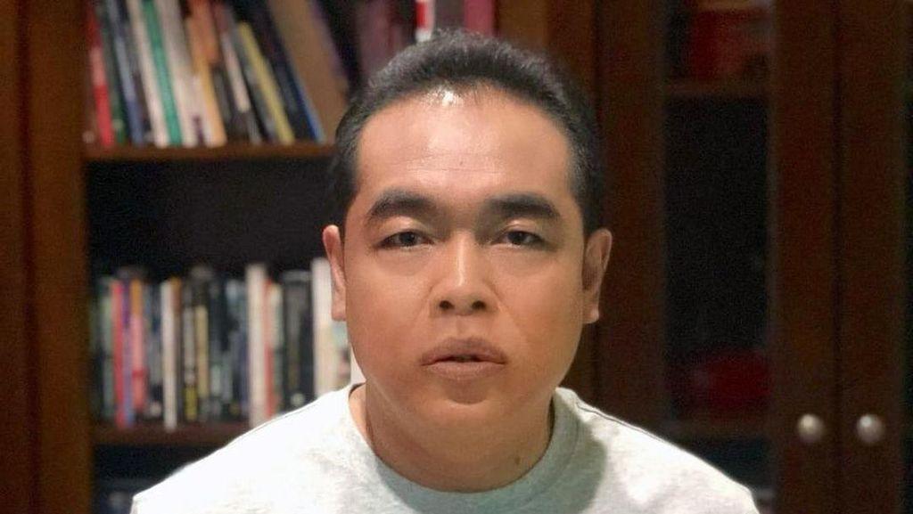 5 Potret Adam Suseno dari Kumis Pak Raden sampai Mirip Cuplis