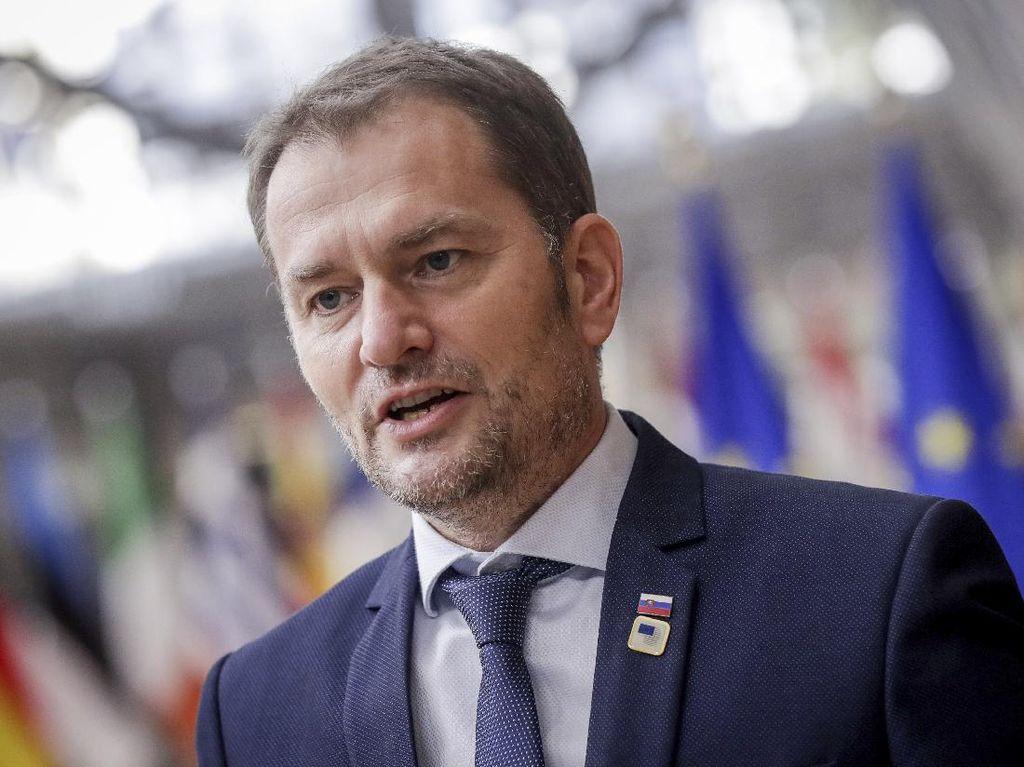 PM Slovakia Mundur Usai Dikritik Gegara Beli Vaksin Sputnik V