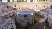 Penampakan Makam Melingkar Terbesar Dunia di Italia