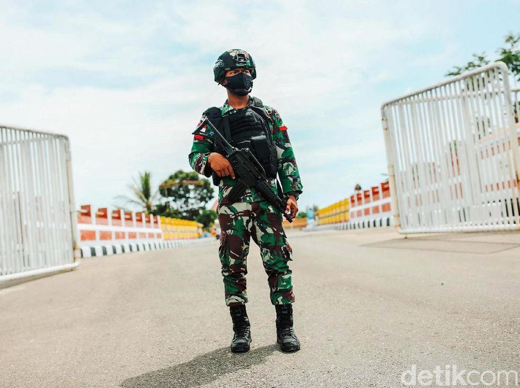 Prajurit TNI AD Penjaga Garis Perbatasan Indonesia-Timor Leste