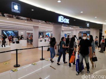 Potret Para Pembeli iPhone 12 di Senayan City