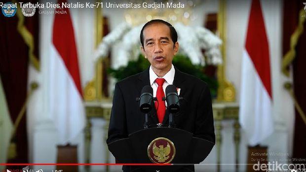 Presiden Jokowi dalam acara Dies Natalis ke-71 UGM, Sabtu (19/12/2020).