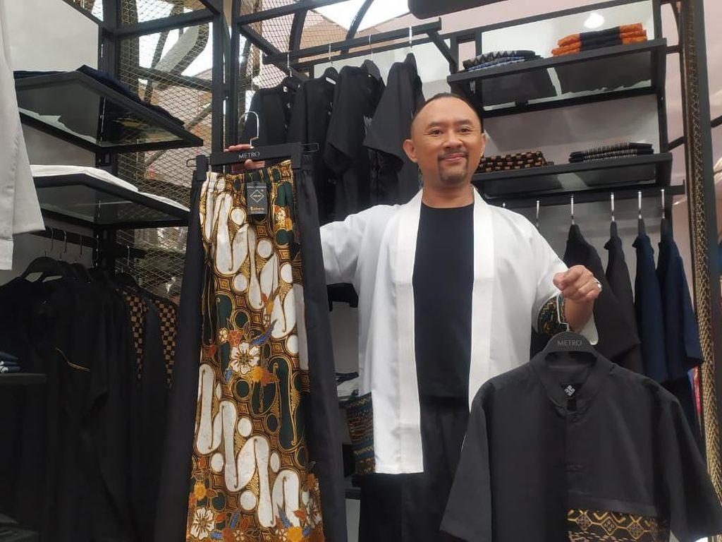 Berawal dari Iseng, Ronal Surapradja Rambah Bisnis Fashion