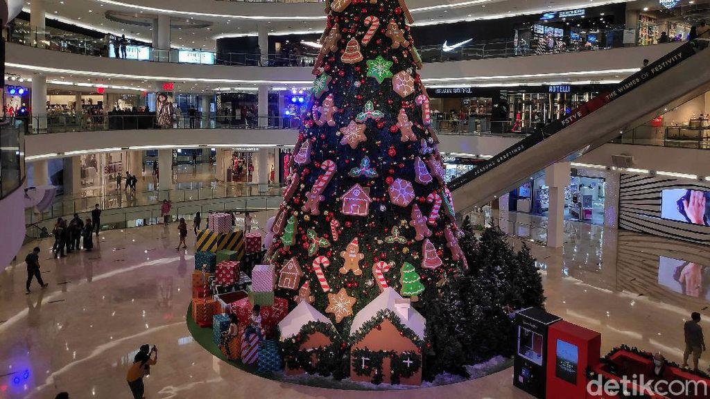 Semarak Menyambut Natal di Pusat Perbelanjaan