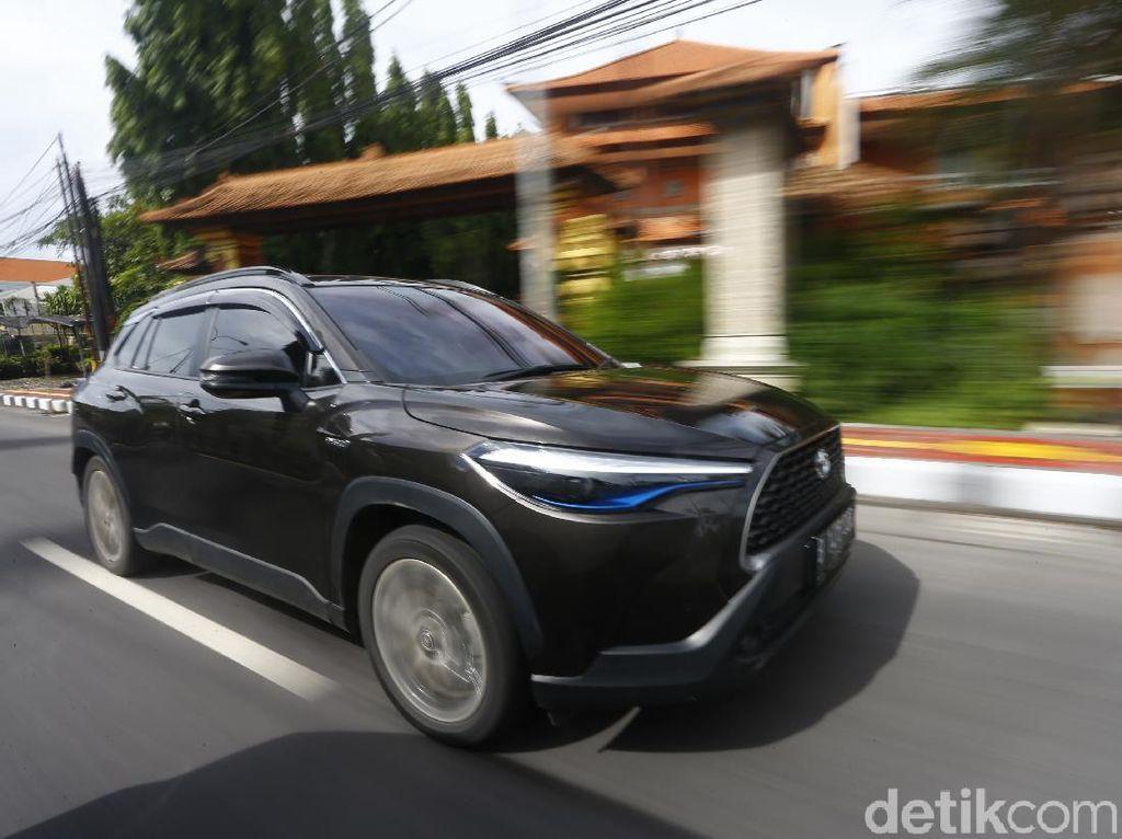 Wisata Malam Bersama Corolla Hybrid di Kota Lama Semarang