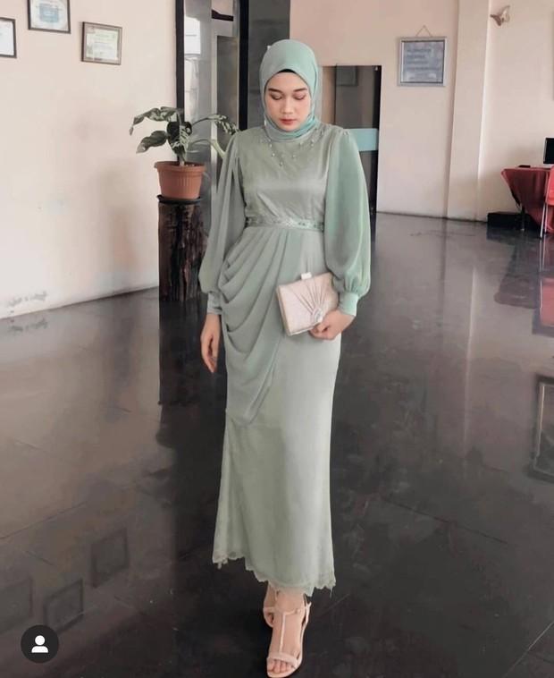 Inspirasi dress kebaya cantik warna hijau.