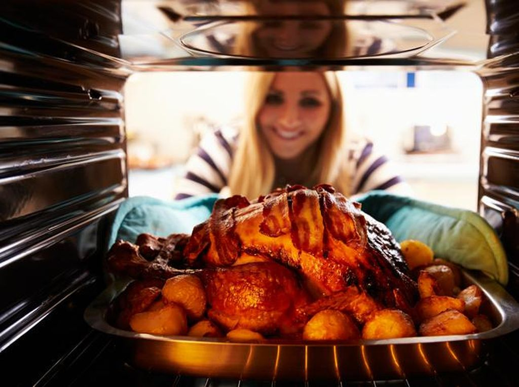 Makan Hidangan Natal Tiap Hari Selama 20 Tahun, Ibu Ini Tetap Lansing