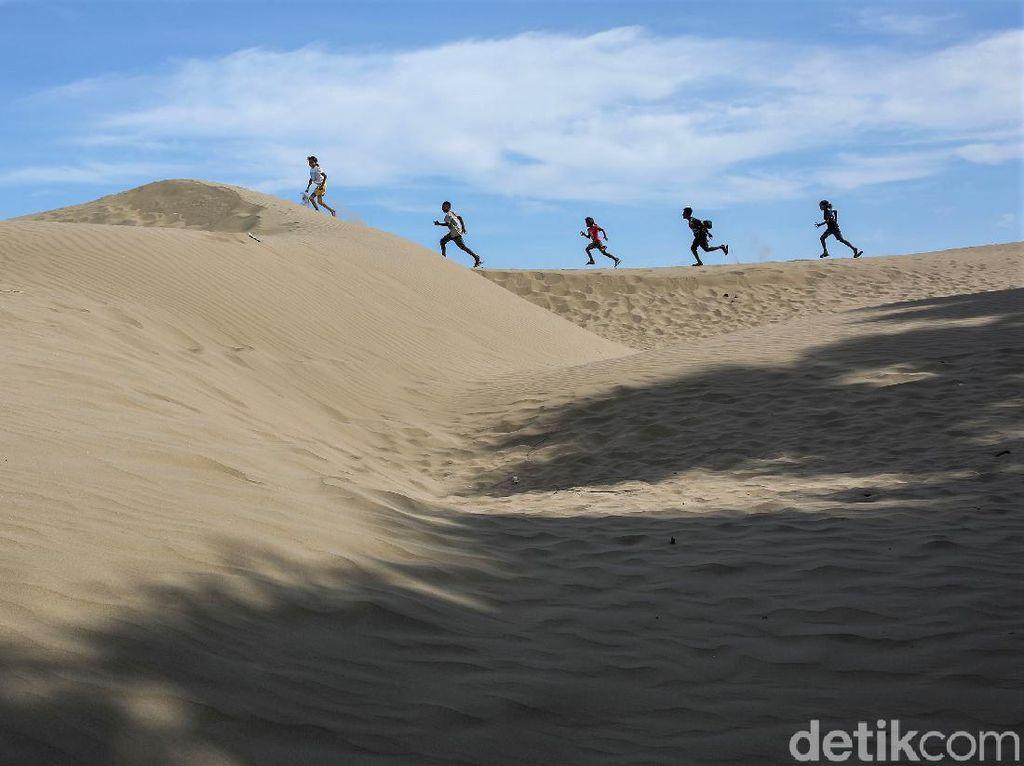 Bukan di Gurun Sahara, Ini Hamparan Pasir di Pantai Oetune di NTT
