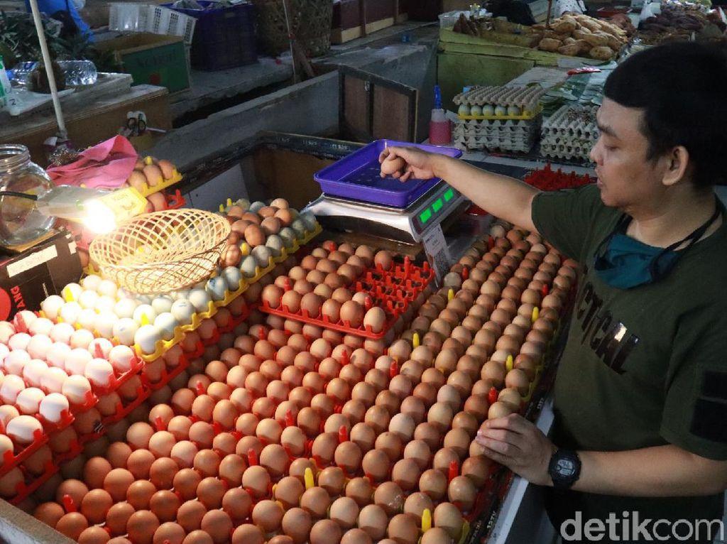 Jelang Nataru, Harga Telur Ayam di Bandung Tembus Rp 29.000/Kg
