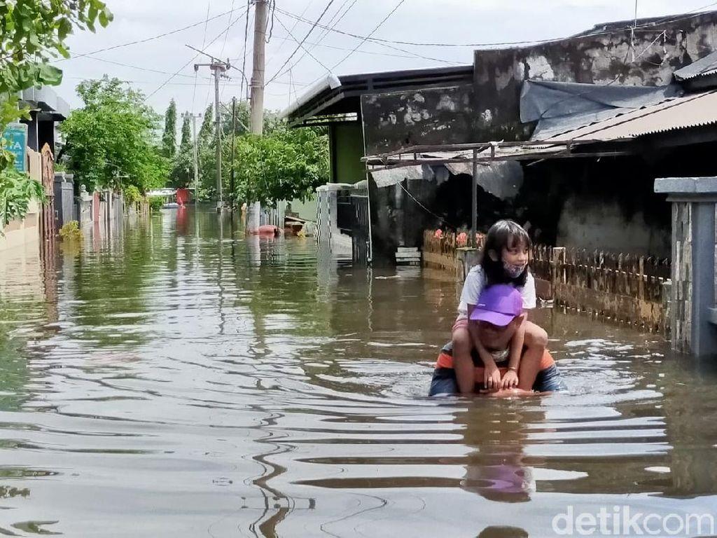 1.917 KK Mengungsi Akibat Banjir di 4 Kelurahan di Manggala Makassar