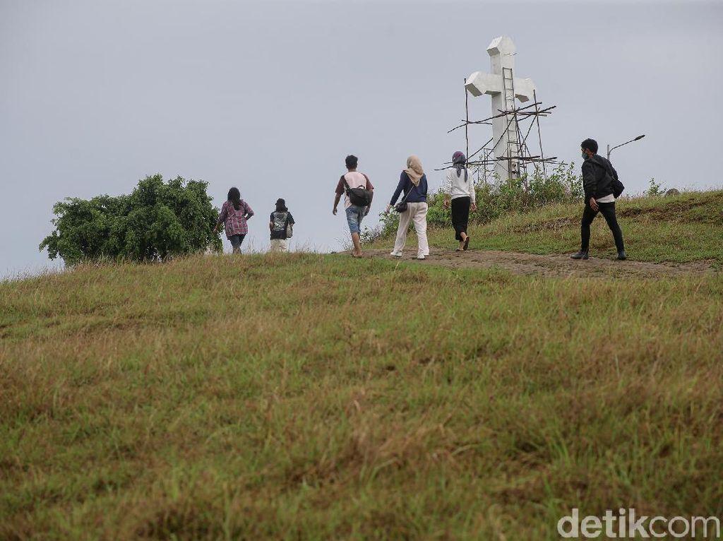 Bukit Cinta, Wisata Alam-Religi di Sabuk Perbatasan Indonesia
