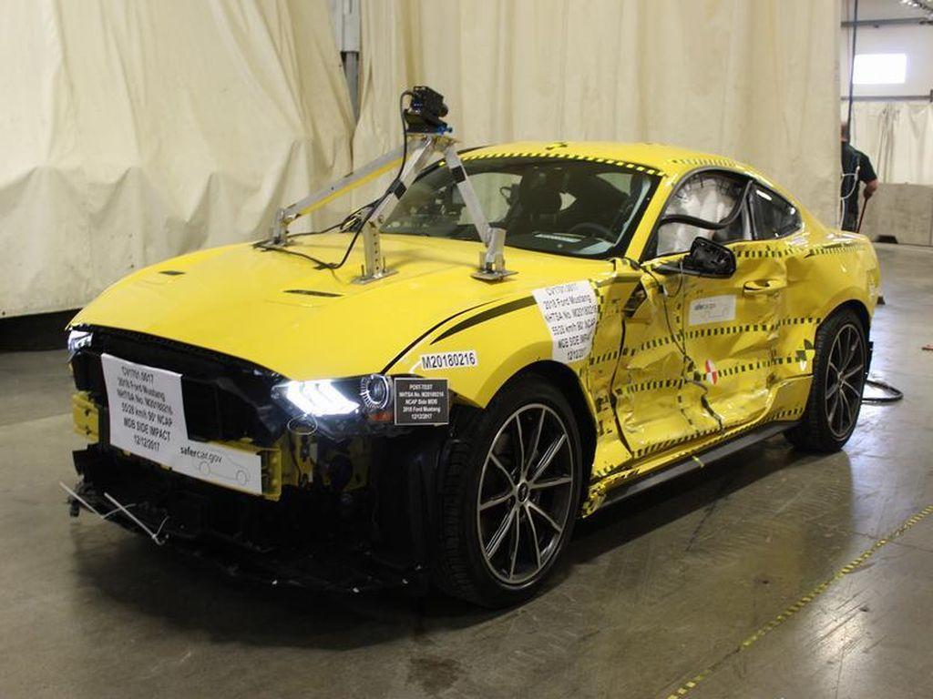 Ford Mustang Bekas Uji Tabrak Ini Dilelang Setara Honda BeAT Cs, Mau?