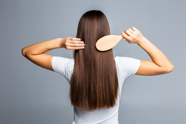 Ilustrasi sisir rambut sebelum mandj