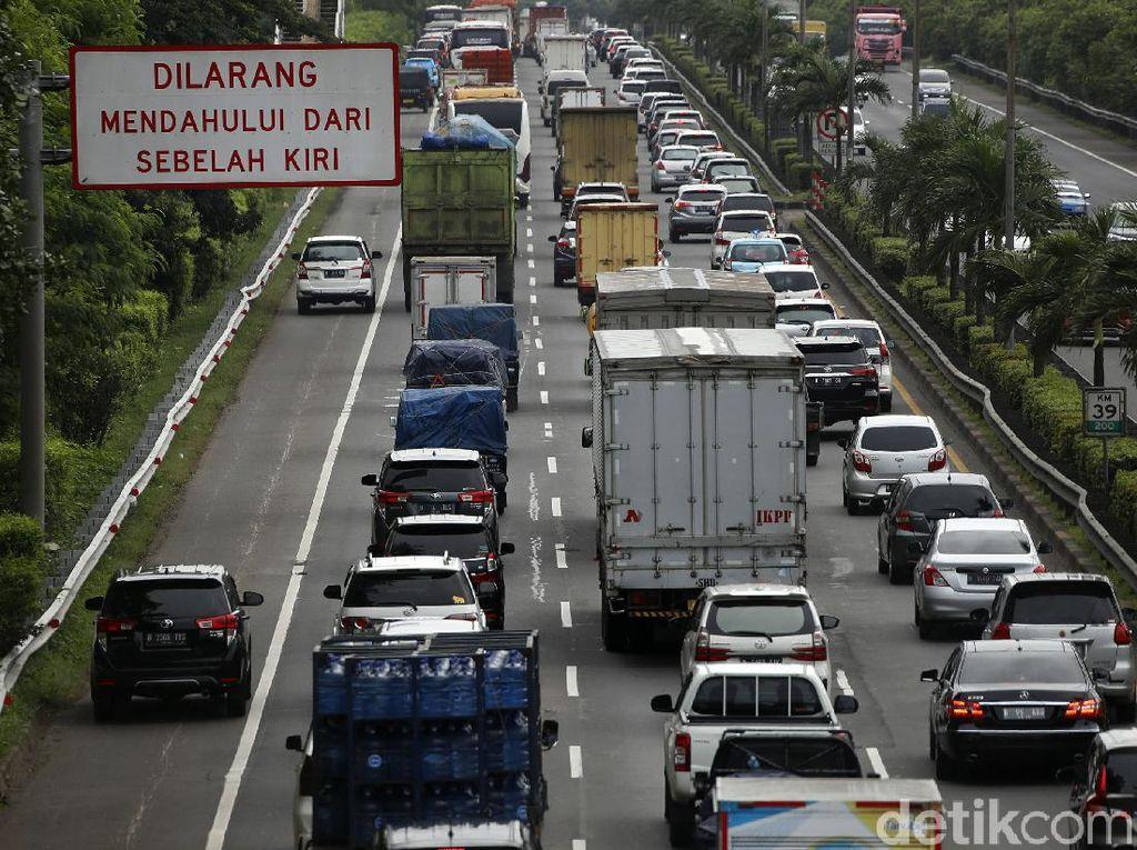 Imbas Tanah Ambles, Tol Cipali Arah Jakarta Padat 7 Km
