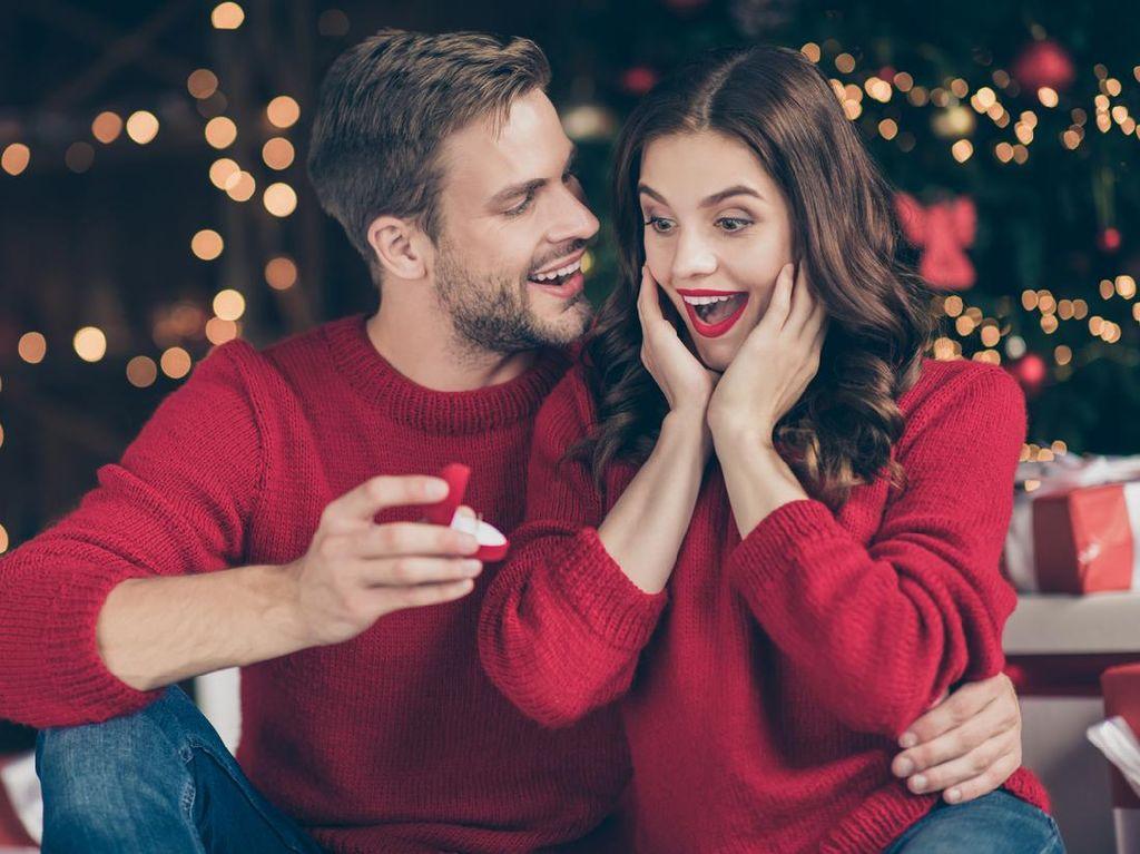 3 Rekomendasi Kado Natal Perhiasan untuk Wanita, Nggak Bikin Kantong Bolong